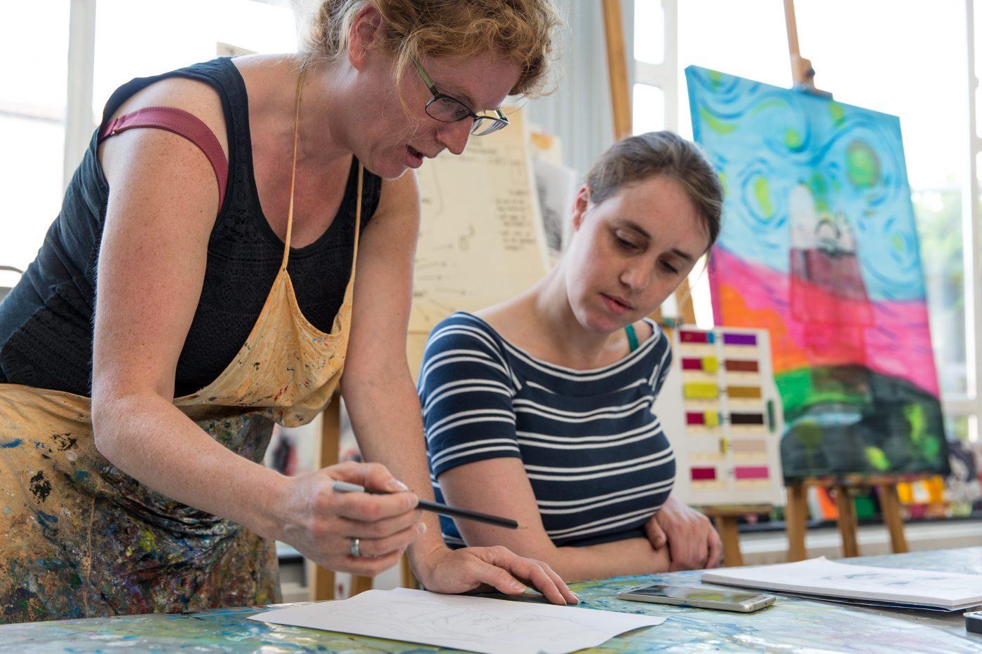 Impressie tekenles en schilderles door Jofke bij Studio Xplo in Tilburg